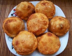 pirozhki-bombochki-s-pomidorami3