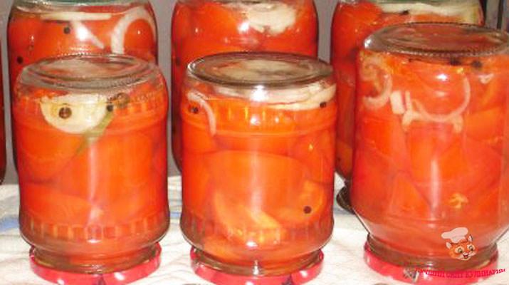 pomidory-dolkami-s-zhelatinom-na-zimu2