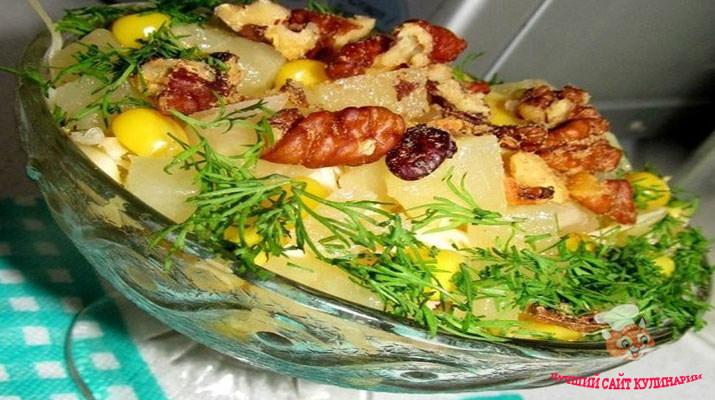 vkysniy-novogodniy-salat