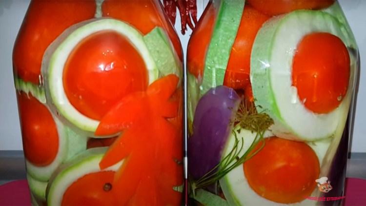 pomidori-v-kabachkah-satyrh