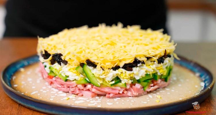 vkusniy-salat-na-luboi-prazdnik