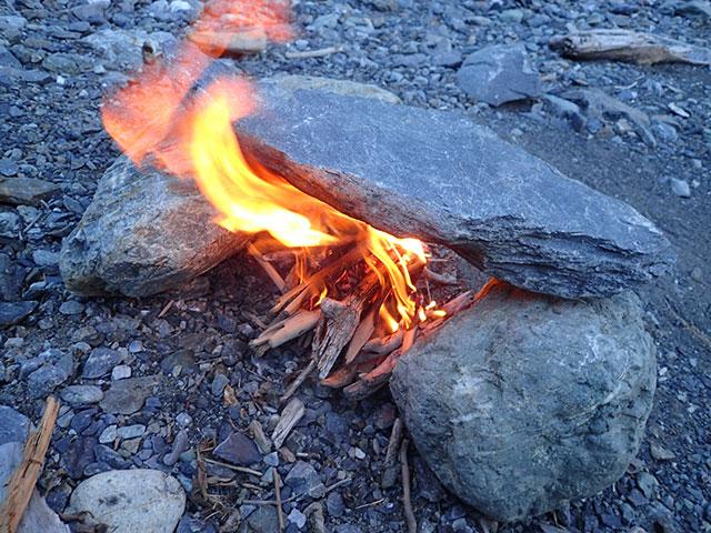 160807三峰川焚き火3
