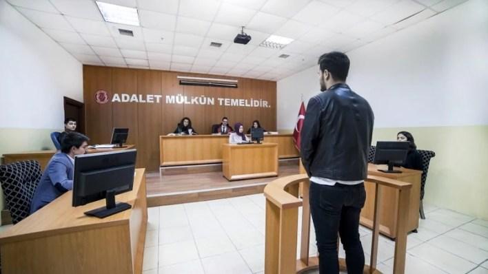 جامعة اسطنبول يني يوزيل - İstanbul Yeni Yüzyıl Üniversitesi