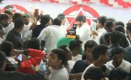 Disturbance In Janasena New Year Celebrations Vijayawada - Sakshi