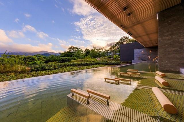 5. Hakone Onsen (Kanagawa Prefecture)