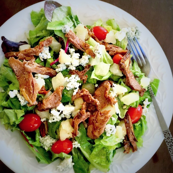 Bluecheese and Pear Steak Salad