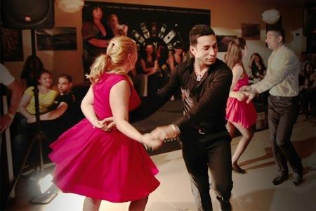 danseaza salsa cubana