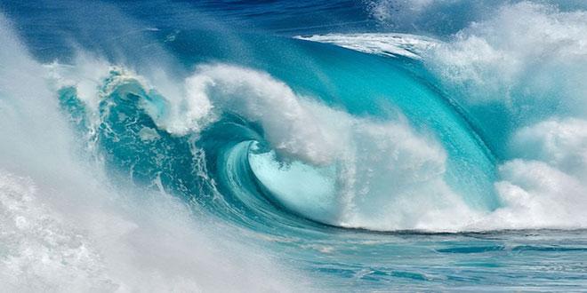 Amazing-Ocean-Waves-Photo-Canary-Islands-655x420