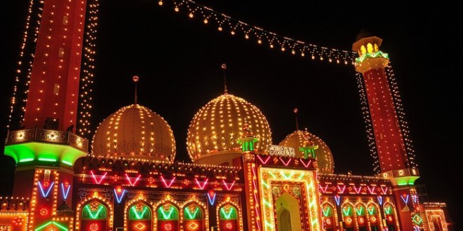 mosque-decorated-with-lights