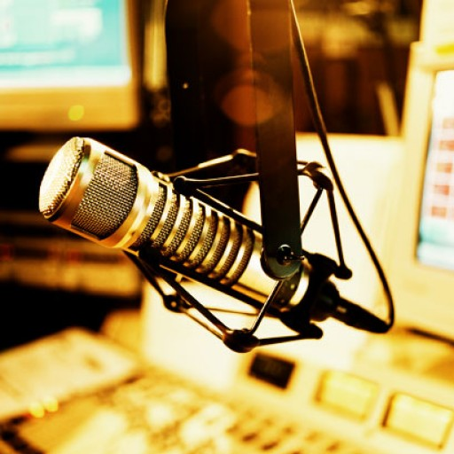 cropped-mic-studio.jpg