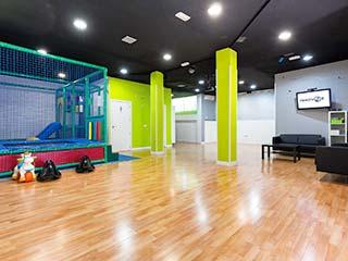 interior sala innovate paracuellos