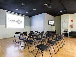 proyector sala innovate paracuellos