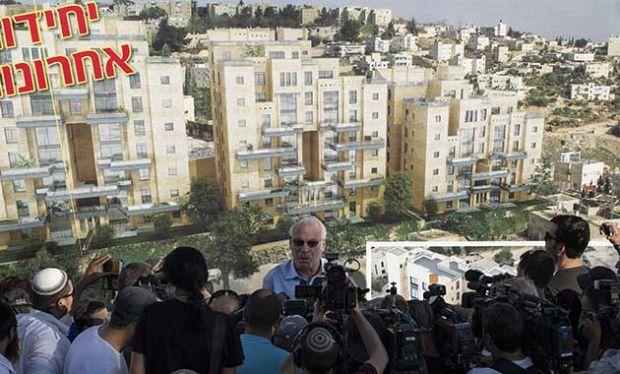 Zionis-Menteri Perumahan Zionis Uri Aiel di depan wartawan-jpeg.image