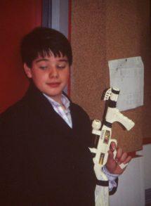 Gonzalo Lopez con pistola
