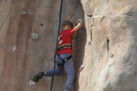 Cuarto y Quinto Escalando en el monolito de Rivas (3)