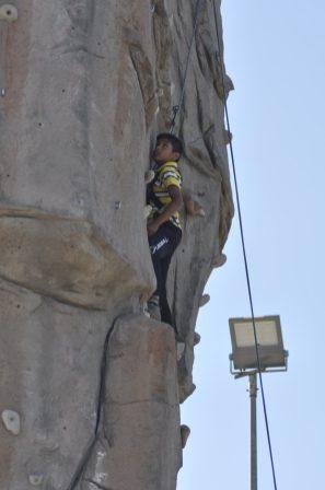 Cuarto y Quinto Escalando en el monolito de Rivas (30)