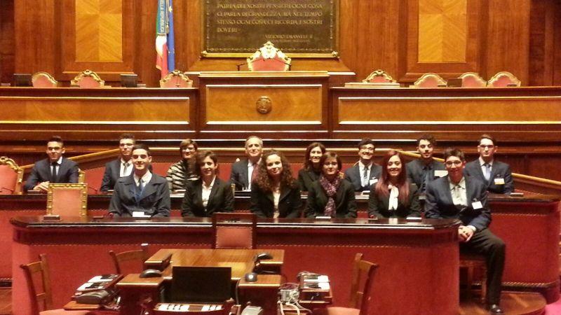 UN   GIORNO AL SENATO, i ragazzi dell'istituto alberghiero di Otranto volano al Senato della Repubblica.