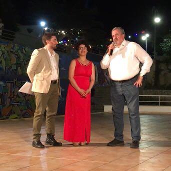Michele Emiliano riceve il premio alla cultura a Torre dell'Orso