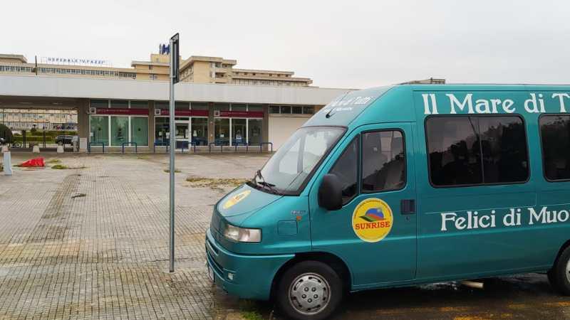 Sunrise Onlus l'associazione di Borgagne consegna 200 mascherine e diversi flaconi di igienizzante in pediatria a Lecce