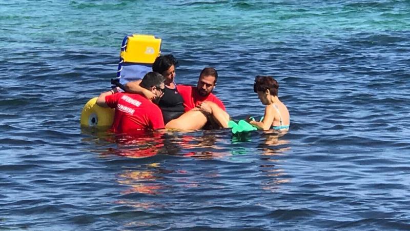 Il mare di tutti a San Foca fisioterapia a mare per persone con sclerosi multipla, chiude in bellezza l'estate 2020