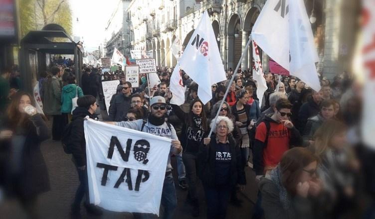 8 dicembre manifestazione No TAP Melendugno - Giornata internazionale contro le grandi opere inutili e imposte in difesa del pianeta