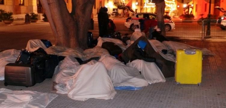 decreto salvini migranti per strada
