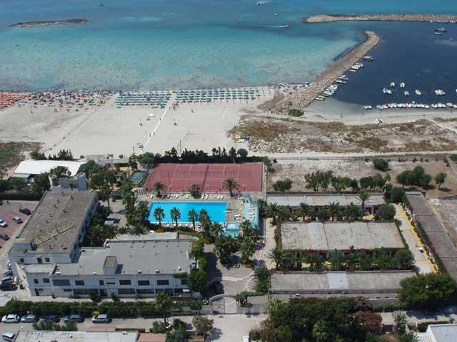 Hotel Villaggio Club Poseidone 3 stelle a Torre San