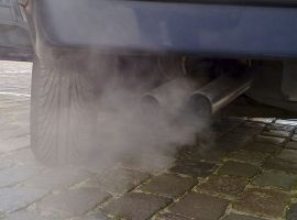 """""""Doing nothing is not an option"""" – '£20 fine' for idling cars outside schools"""