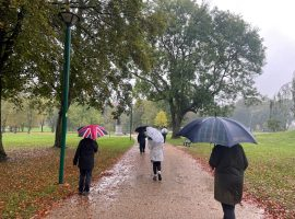 """""""It's important to get outside, stretch our legs and connect to the seasons"""" – Salfordians embrace nature during Mindful Walk"""
