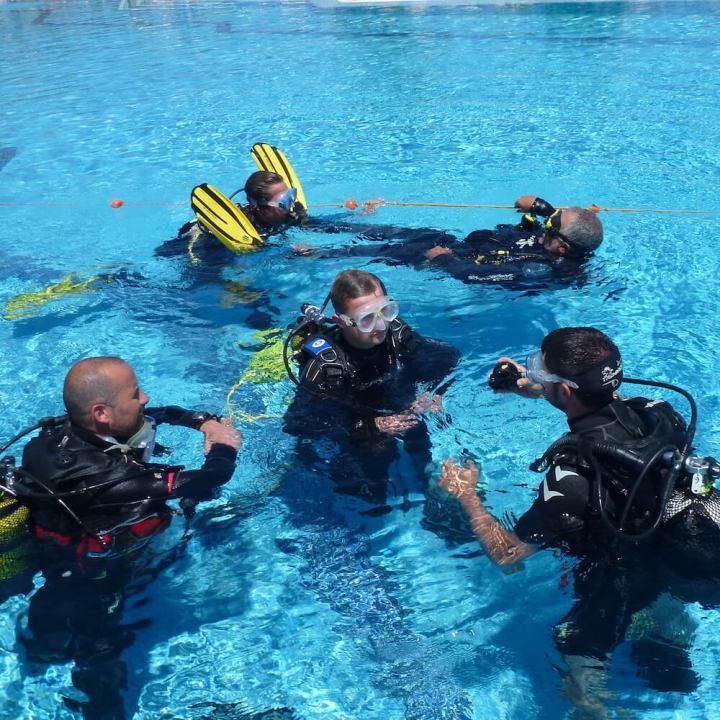 PADI Rescue Diver Course with S'Algar Diving in Menorca