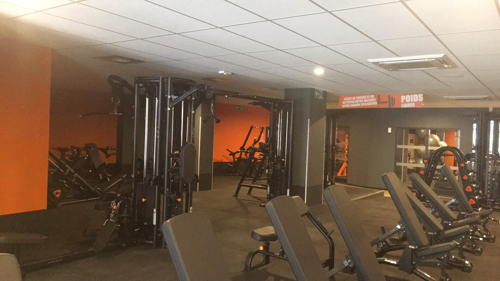 basic fit tours 9 rue michelet