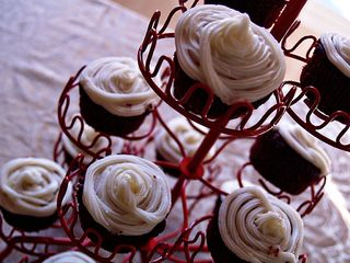 Redvelvetcupcakes2