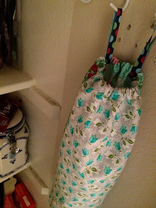 Grocery sack holder