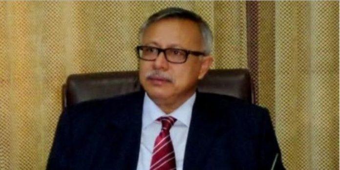 رئيس وزراء حكومة الحوثي وصالح يكشف اسباب تخليه عن هادي وهدف نقل البنك المركزي الى عدن