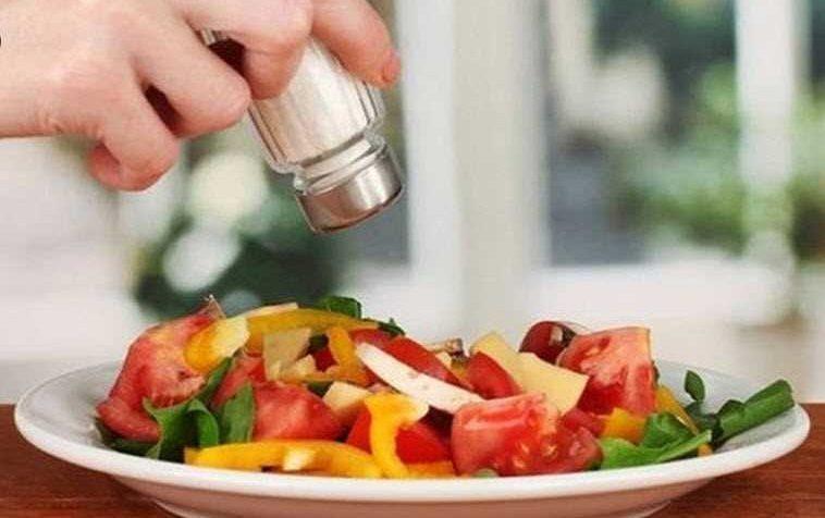 بعكس المتوقع.. هذا ما تفعله الأطعمة المالحة بجسمك!