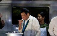 رئيس الفلبين: سآكل أكباد الإرهابيين بالخل والملح!