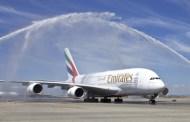 ما هو سر رش الطائرات بالماء في المطارات ؟!!