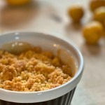 Simple and quick summer dessert: Crumble with Mirabelle