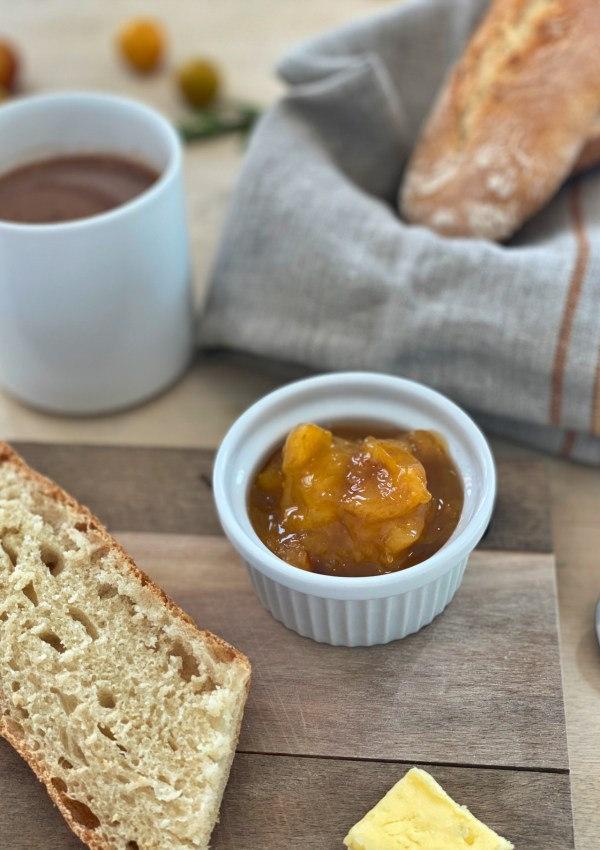 Recipe for a Mediterranean flavored Mirabelle jam with rosemary