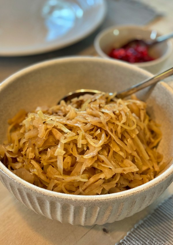 The simple recipe for Norwegian traditional sauerkraut with caraway seeds