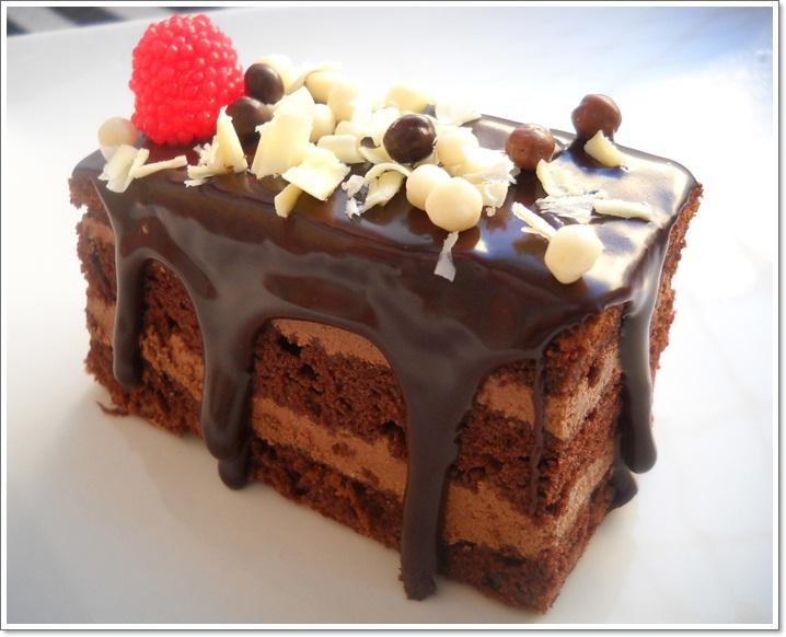 Prajitura cu ciocolata  Saloanero  Dulciuri  Prajitura cu ciocolata