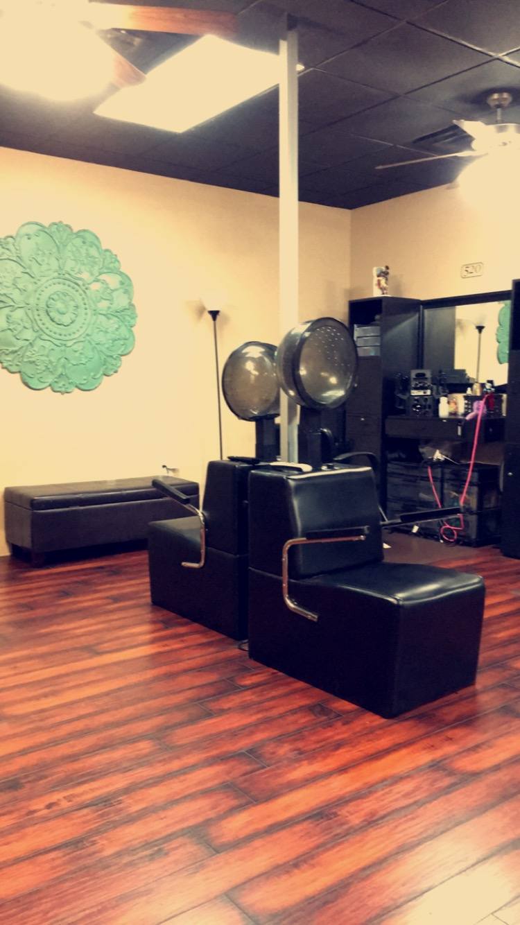 Salons in Arlington are many, but there is only one Salon & Spa Galleria offering a full package of start-up benefits.