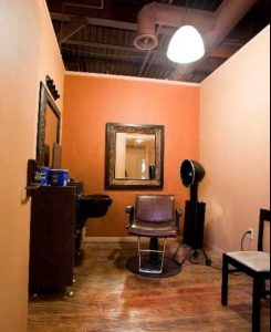 How to decide if you can afford to rent a salon suite