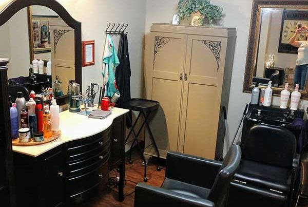 salon booth for rent