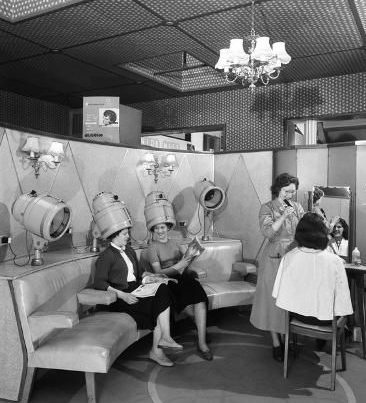 Renting a booth in a salon
