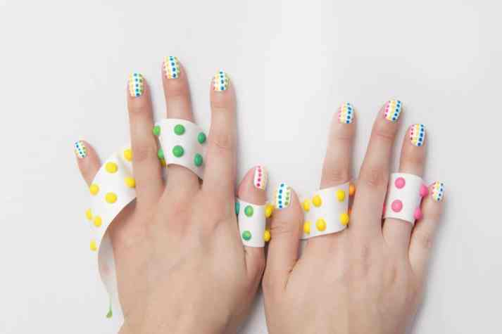candy-button-nail-art