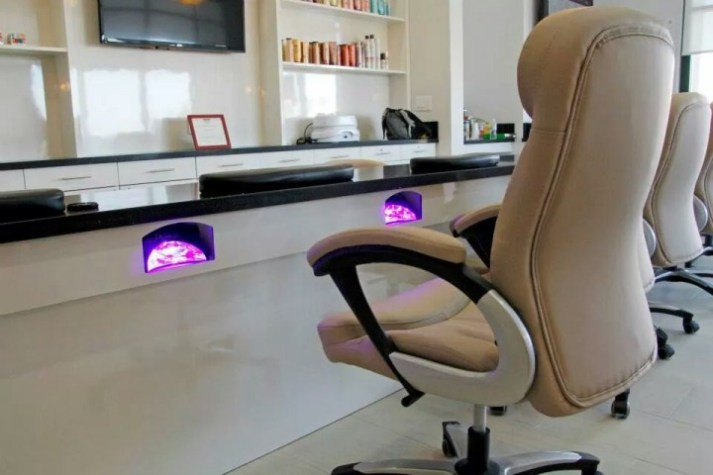 Cool Salons: Nail Bar & Spa