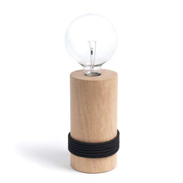 Holzleuchte Log Lamp mit schwarzem Textilkabel von The Oak Men aus Dänemark