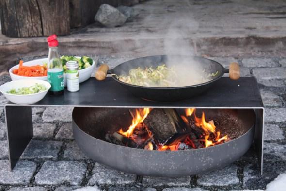Raumgestalt Feuerschale mit Teppanyaki-Platte