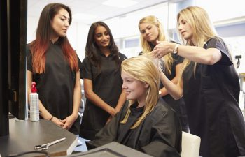 Choose The Kind Of School That Will Help You Bee A Great Stylist